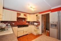 3 bedroom semi detached house to rent in Lynhurst Road, Hillingdon