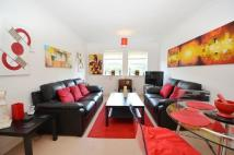 2 bed Flat in Crispin Way, Hillingdon...