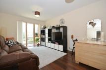 2 bedroom Flat to rent in Rowlock House...