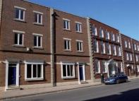 4 bed Apartment in Second Floor Flat...