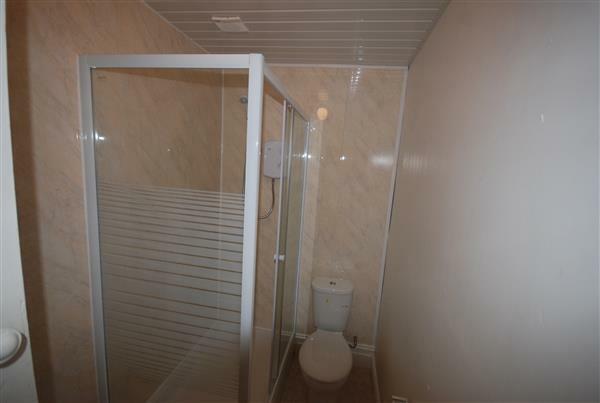 3rd Shower room