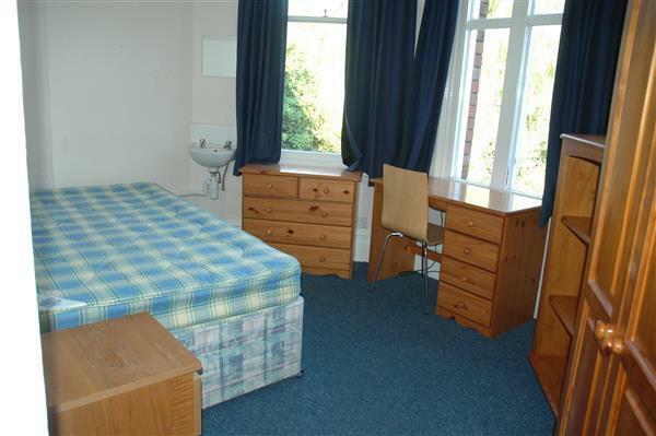 Bed 6 ( Rear