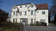 1 bed Flat to rent in Richmond Park Road...
