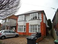 3 bed Flat to rent in THREE DOUBLE ROOM FLAT...