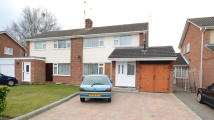 3 bedroom semi detached home to rent in Quentin Road, Woodley