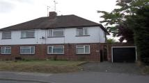 Maisonette to rent in Butts Hill Road, Woodley