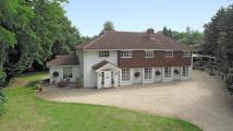 4 bedroom Detached home in Thames Street, Sonning