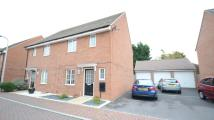 3 bed semi detached house to rent in School Drive, Woodley