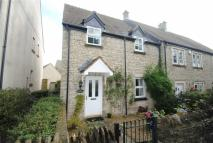 2 bed semi detached house in Strongs Close...