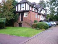 Detached house in MAIDENHEAD RIVERSIDE