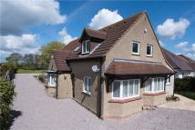 4 bed Detached property in High Street, Oakley...
