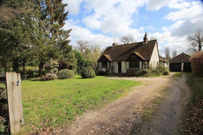 3 Bedroom Detached Bungalow For Sale In Bucklebury