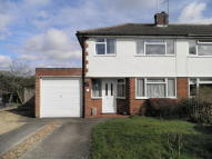 3 bedroom semi detached property to rent in Abingdon