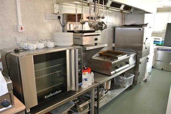 COMMECIAL KITCHEN