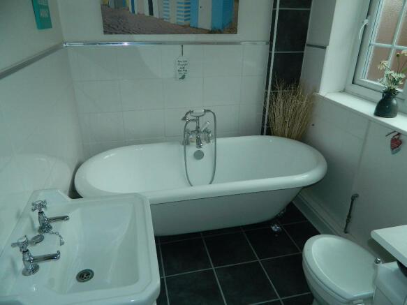 D/S Bathroom