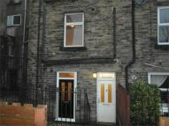 Flat to rent in 9A Westgate, CLECKHEATON...