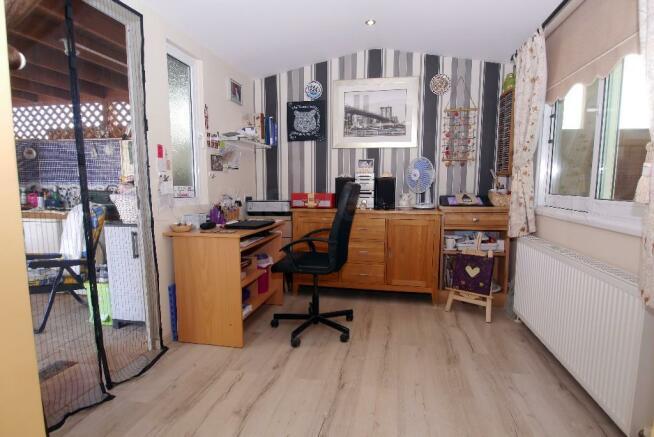 Office/Bedroom 3