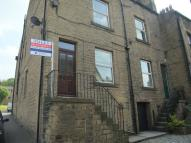 3 bed Terraced property in Saddleworth Road...