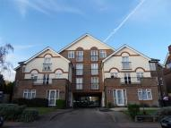 Flat in Oaklands Court, Bromley