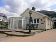 Detached Bungalow in Tyddyn Gwyn, Manod...