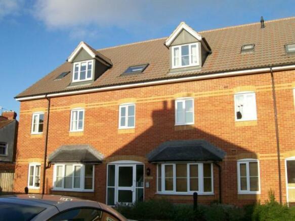 2 Bedroom Apartment To Rent In Gloucester Court Gloucester Street Taunton Somerset Ta1