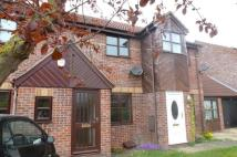 2 bed property in Gunton Road, Loddon...