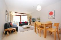 Flat to rent in Andrewes House, Barbican...
