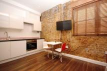 Flat to rent in Curtain Road, EC2A