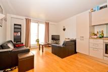 Apartment to rent in Enfield Road, N1