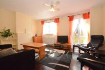 2 bedroom Flat in Fenning Court, Mitcham...