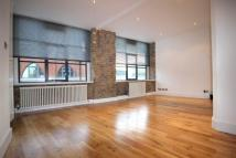 3 bed Flat to rent in Curtain Road, EC2A
