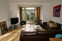 3 bedroom Town House in Heaven Tree Close, N1