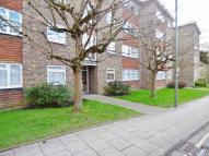 Flat to rent in LEATHERHEAD