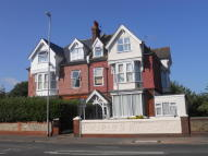 Flat to rent in Upper Avenue, Eastbourne...