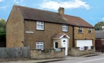 Apartment in Addlestone Moor...