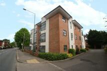 Apartment to rent in Addlestone, Surrey, KT15
