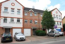 4 bed Town House to rent in Meadow View, Chertsey