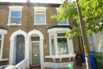 3 bed property in Ansdell Road, Nunhead...