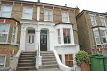 5 bedroom semi detached property to rent in Derwent Grove...