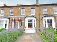 4 bed Terraced house for sale in Friern Road...