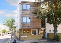 Flat to rent in Anstey Road, Peckham Rye...