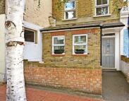 2 bedroom Flat to rent in North Cross Road...