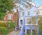 3 bed Flat to rent in Overhill Road...