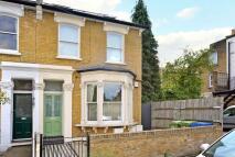 Flat to rent in Ondine Road, Peckham Rye...