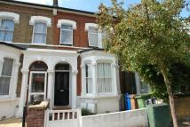 house to rent in Gowlett Road...