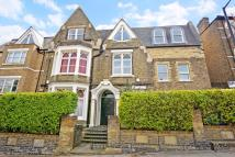 2 bed Flat for sale in Grove Hill Road...