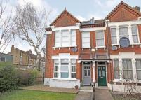 2 bedroom Flat in East Dulwich Road...