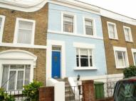 2 bedroom property in Nutfield Road...