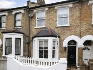 Terraced house to rent in Landells Road...