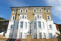 1 bedroom Apartment in Overhill Road...